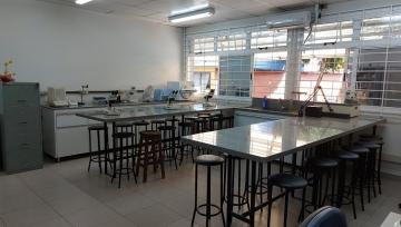 Imagem mostrando o espaço do laboratório.